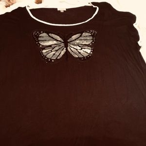Avenue black T-shirt size 22/24 with butterfly